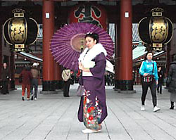 Asakusa Walk in Furisode Pic.